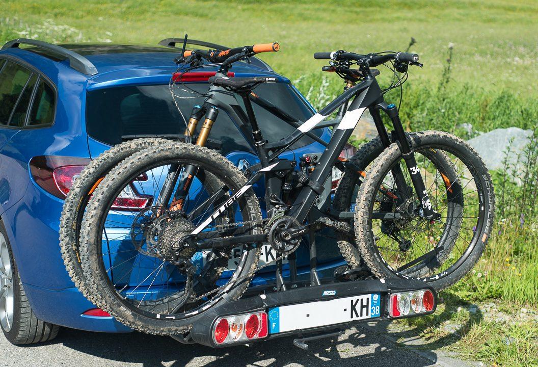 Combien de vélos peut-on porter sur un porte vélo attelage ?